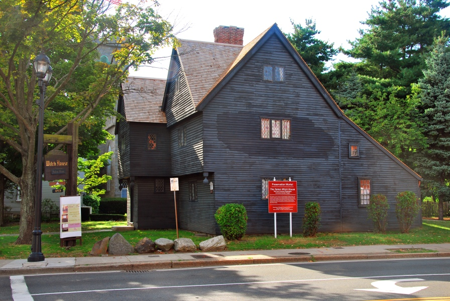 The_witch_house_salem_2009